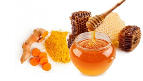 cách trị nám da mặt hiệu quả nhất bằng bột nghệ và mật ong