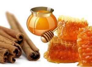 Kem trị tàn nhang nám da mặt từ mật ong, sữa chua và nghệ