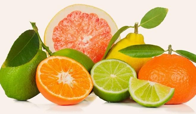 Bị tàn nhang nên ăn trái cây họ cam/quýt