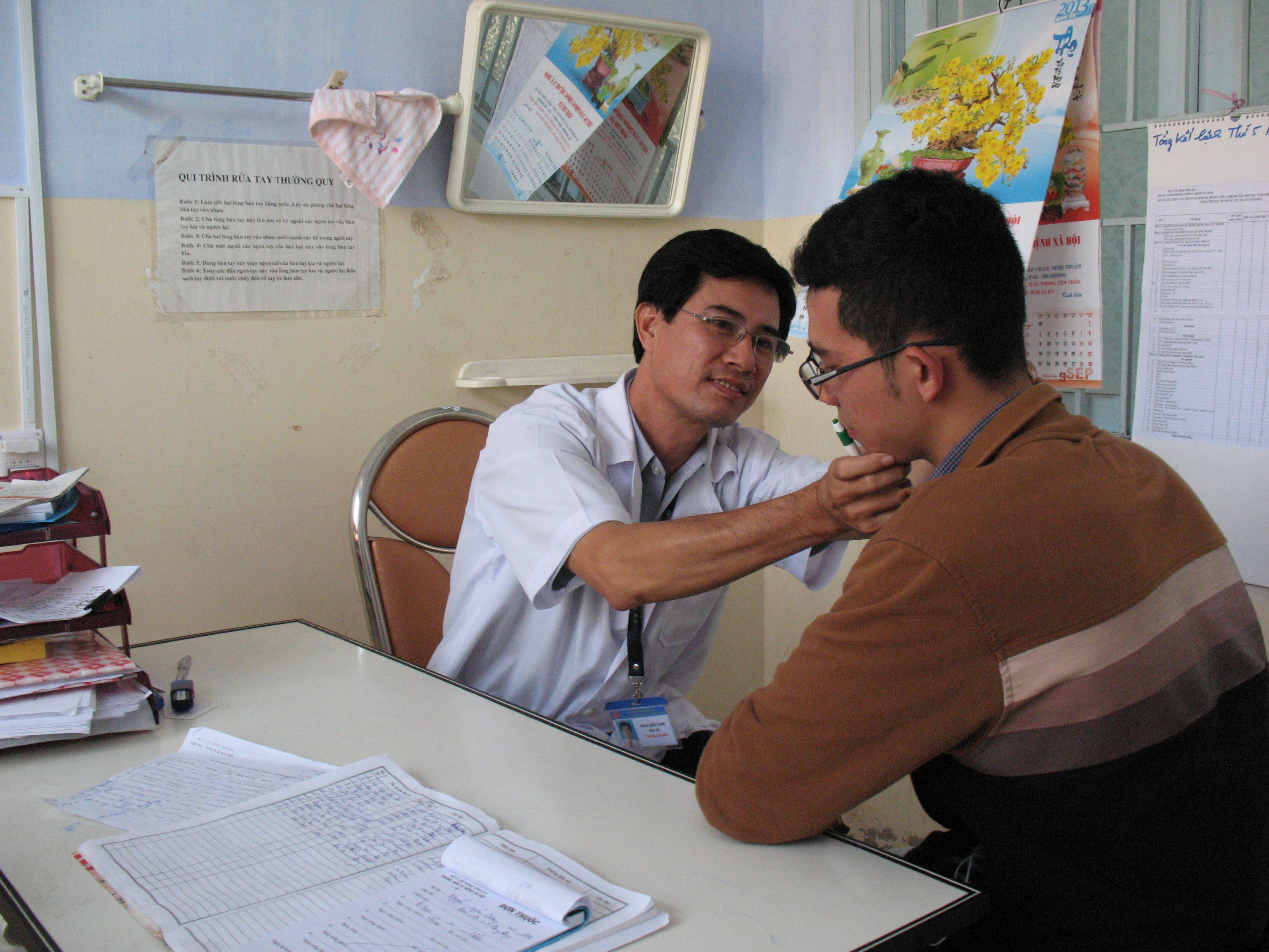 Bác sĩ da liễu Đà Nẵng nào mát tay nhất - Thông tin và địa chỉ phòng khám