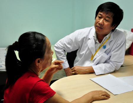Địa chỉ bác sĩ da liễu giỏi tại TPHCM -Chuyên chữa thâm nám, viêm da... 2