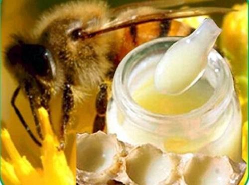 cách làm mặt nạ sữa ong chúa trị tàn nhang