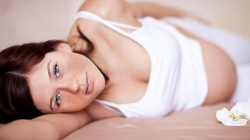 Da mặt bị nổi tàn nhang khi mang thai