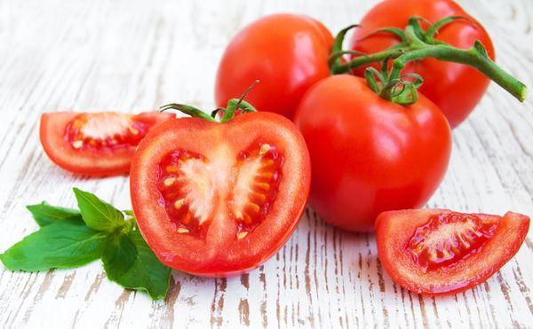 ăn trái cây trị nám- cà chua