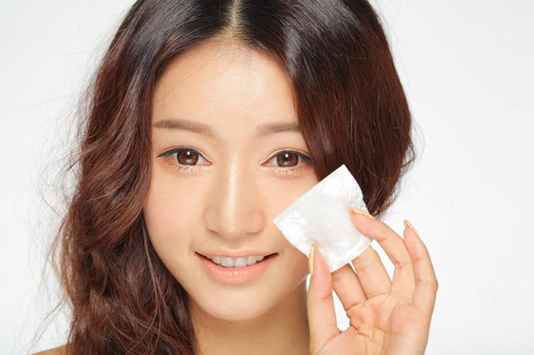 cách sử dụng dầu dừa cho da mặt nhờn dầu