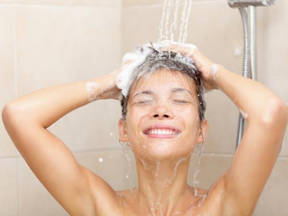nên đắp mặt nạ trước hay sau khi tắm