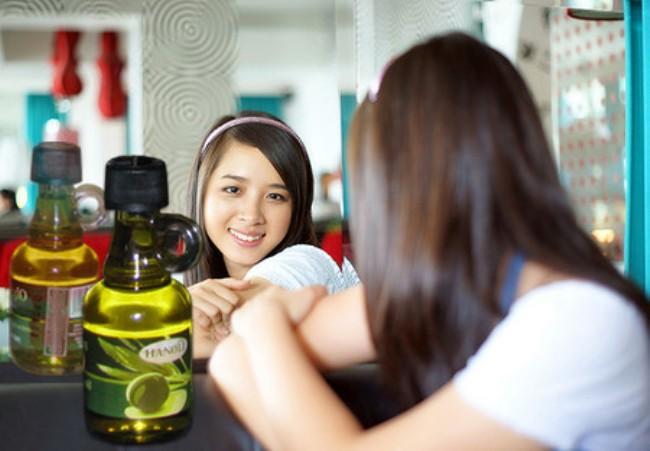 da nhờn có nên dùng dầu oliu