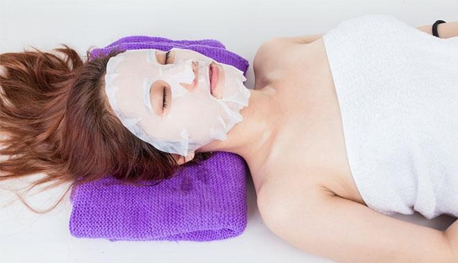 Thời gian đắp mặt nạ từ 10 - 20 phút là đủ và không nên đắp mặt nạ quá lâu
